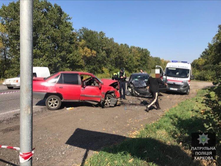 На окружной лоб в лоб столкнулись два авто: есть пострадавшие (ФОТО) , фото-2