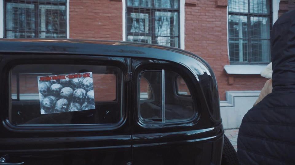"""Активисты """"Национального корпуса"""" разгромили декорации к военному сериалу, который снимают в Харькове и устроили потасовку с полицией , фото-2"""