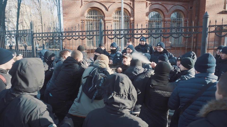 """Активисты """"Национального корпуса"""" разгромили декорации к военному сериалу, который снимают в Харькове и устроили потасовку с полицией , фото-9"""