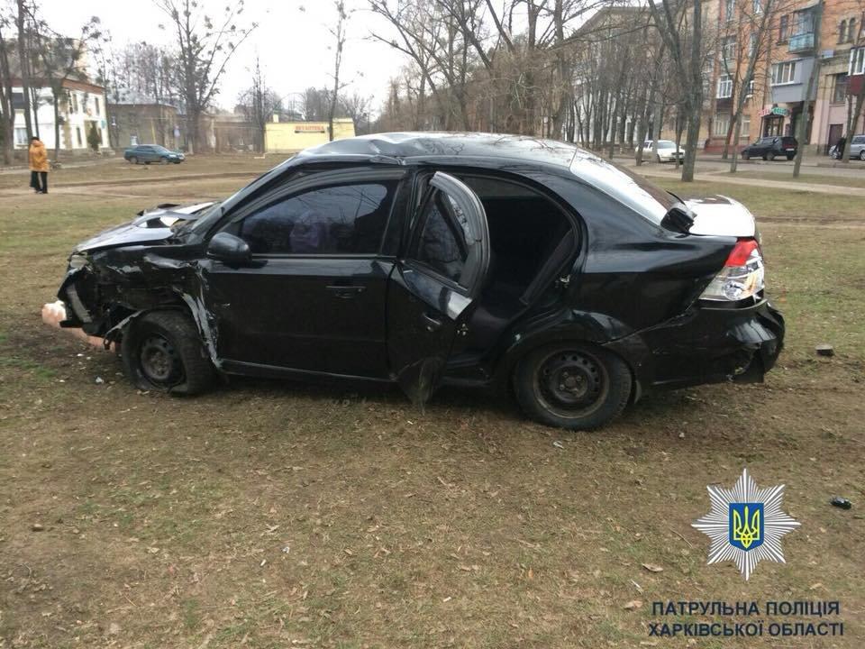 На ХТЗ столкнулись две иномарки: есть пострадавшие (ФОТО) , фото-2