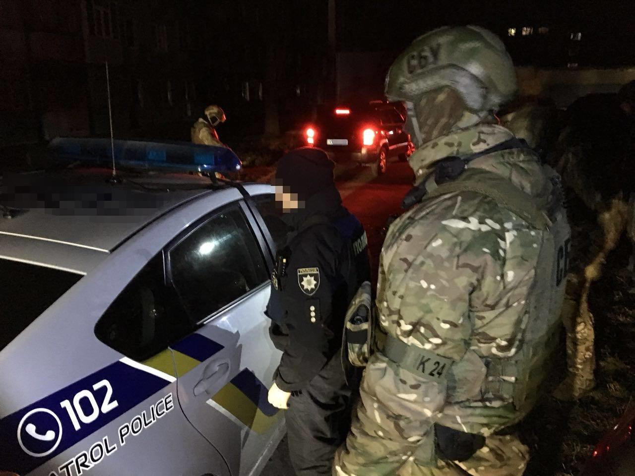 В Харькове задержали группу патрульных полицейских, которые вымогали у водителей взятки (ФОТО), фото-2