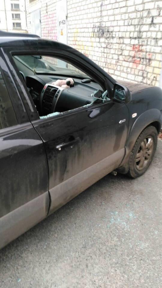 Харьковчанин разбивал стекла и воровал видеорегистраторы из авто (ФОТО) , фото-1