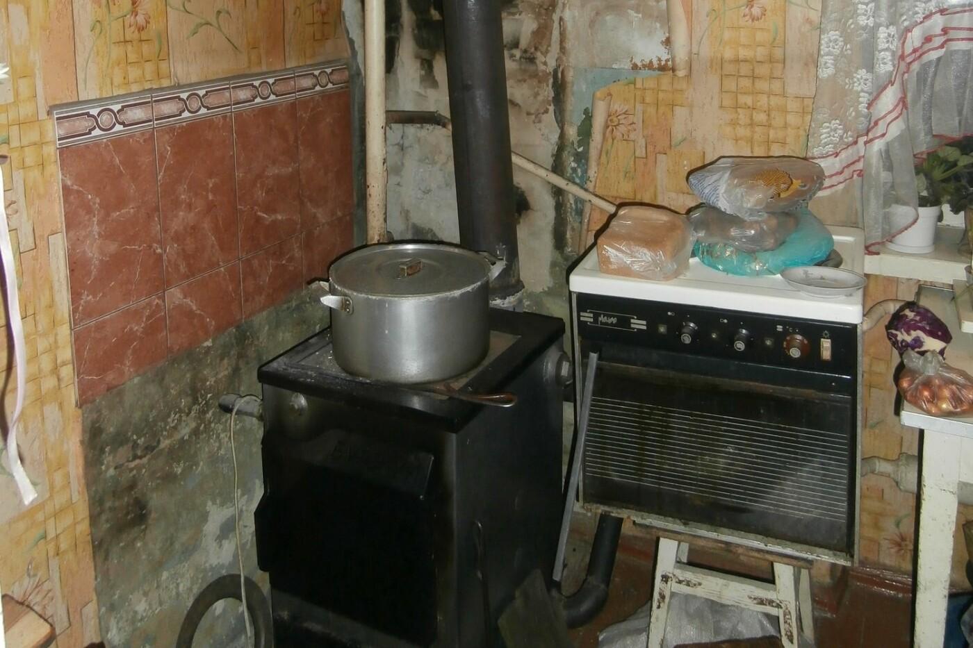 В Купянском районе горел двухэтажный дом: обошлось без жертв и пострадавших (ФОТО) , фото-3