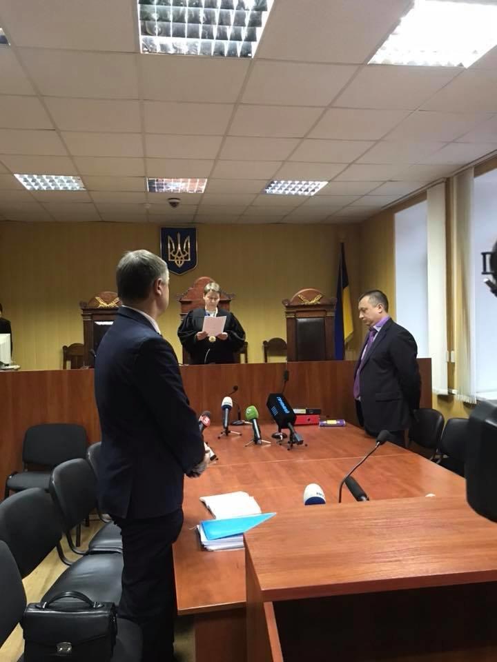 Суд избрал меру пресечения одному из патрульных, которого подозревают во взяточничестве (ФОТО) , фото-1