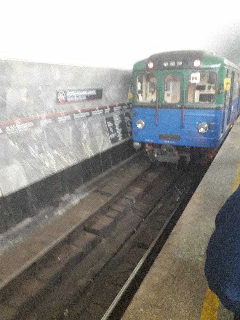 Пассажир упал на рельсы в метро Харькова (ФОТО) , фото-2