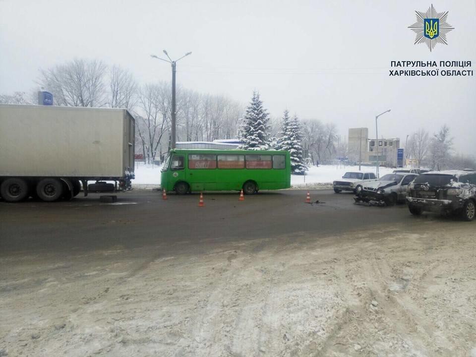 "На Салтовке Lanos ""догнал"" грузовик (ФОТО) , фото-3"
