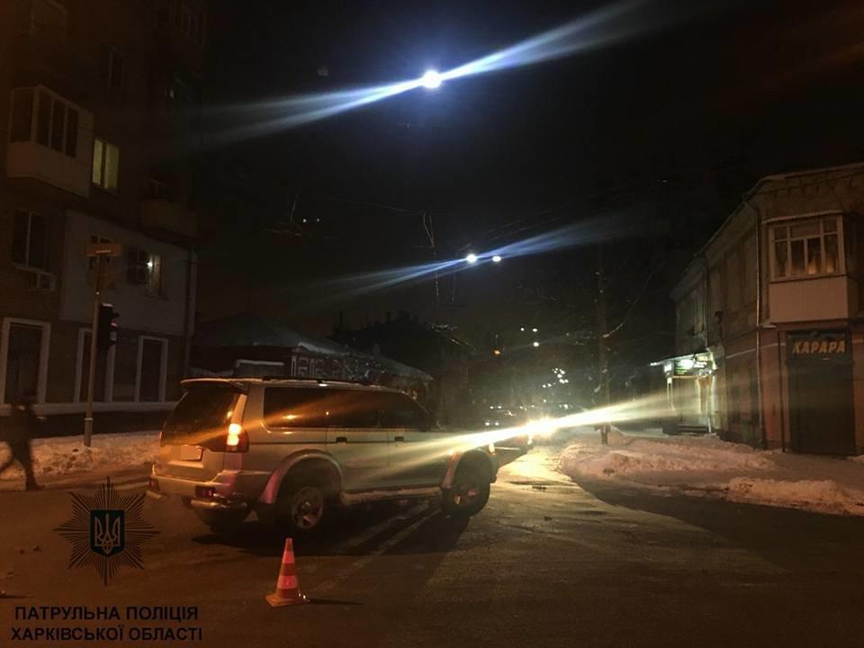 В Харькове пьяный водитель на внедорожнике устроил ДТП (ФОТО), фото-1