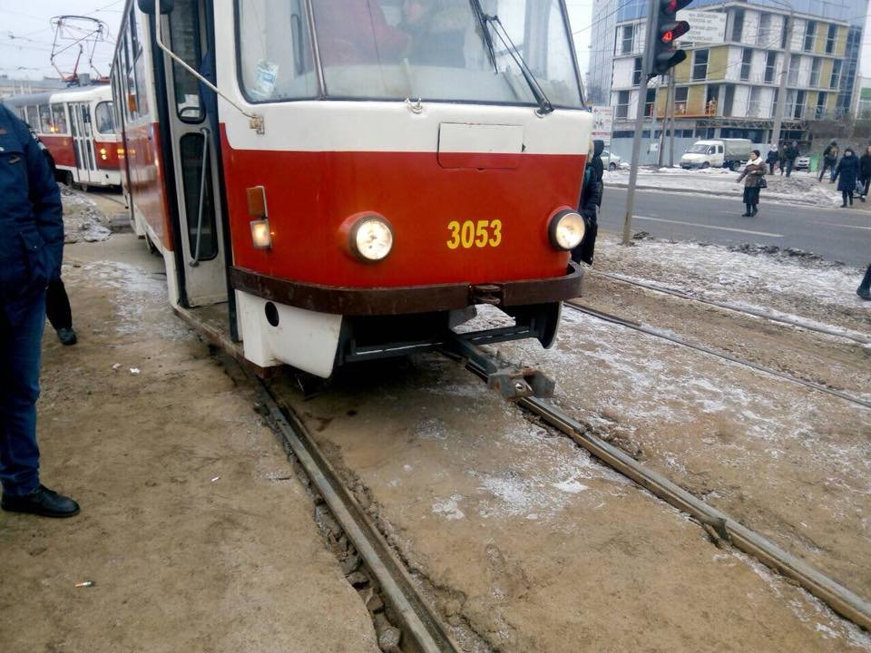Молодой человек попал под трамвай в ночь с 28 на 29 марта