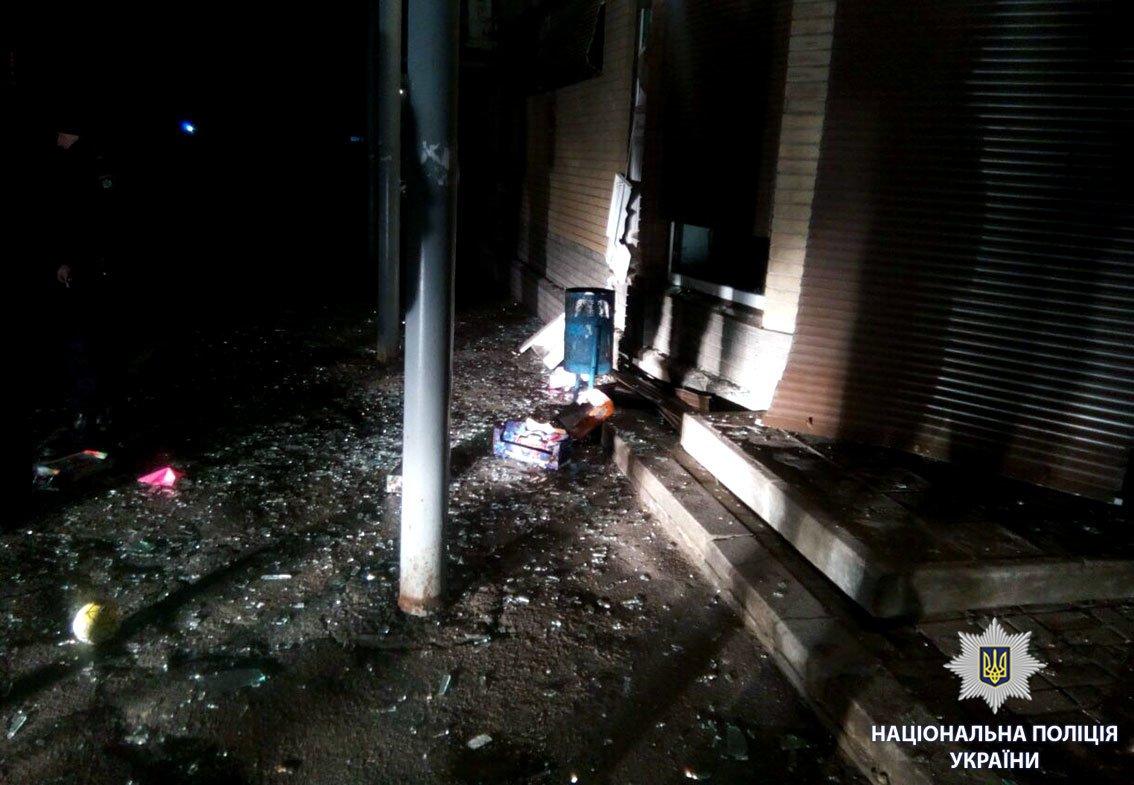Возле харьковского магазина неизвестные взорвали банкомат (ФОТО), фото-4