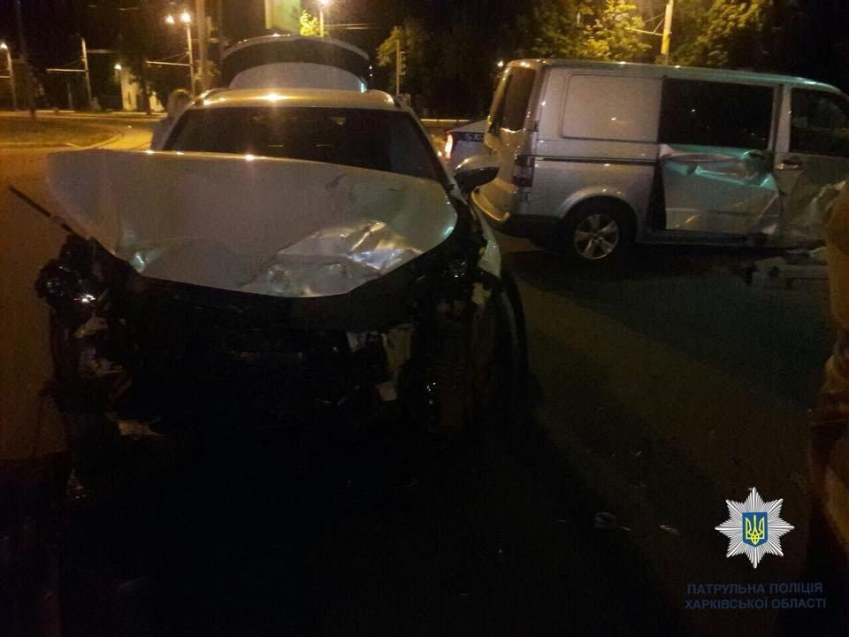 На Московском проспекте в ДТП пострадал водитель микроавтобуса, - ФОТО, фото-2