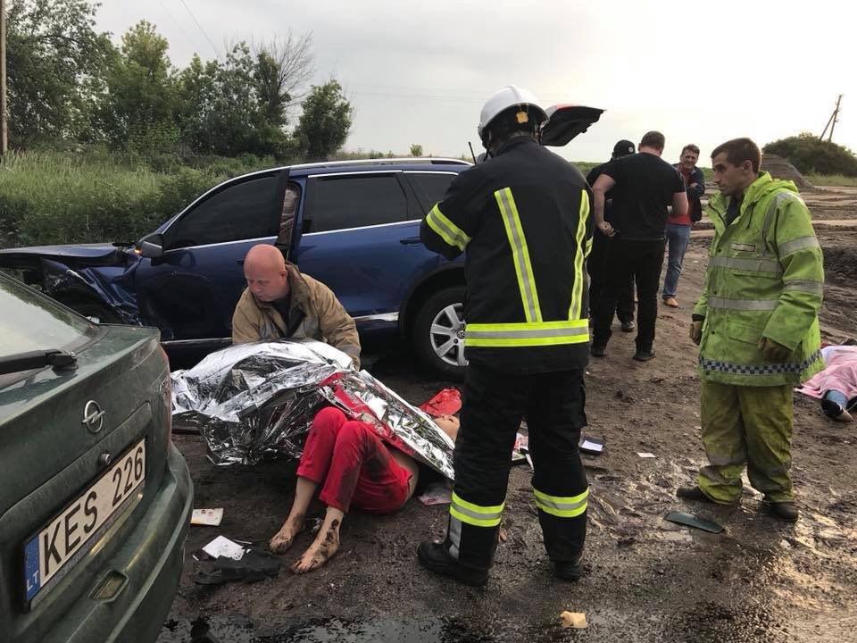 В Люботине столкнулись Opel и Volkswagen. Машины разнесло вдребезги, - ФОТО, фото-6