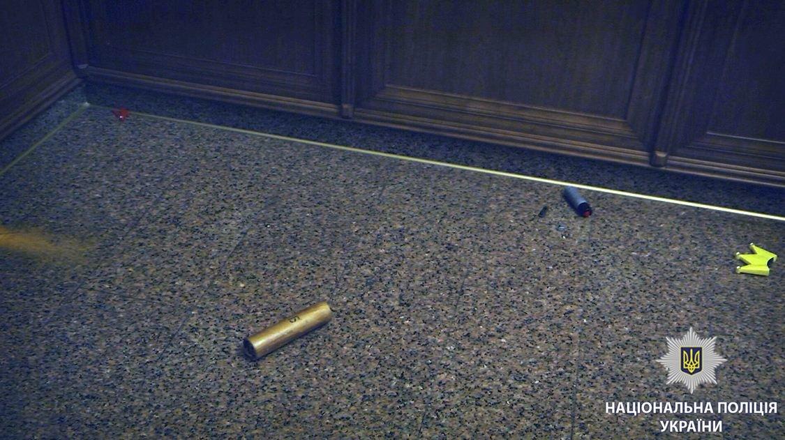 Во время потасовки в Харьковском горсовете пострадали две женщины, - ФОТО, фото-2