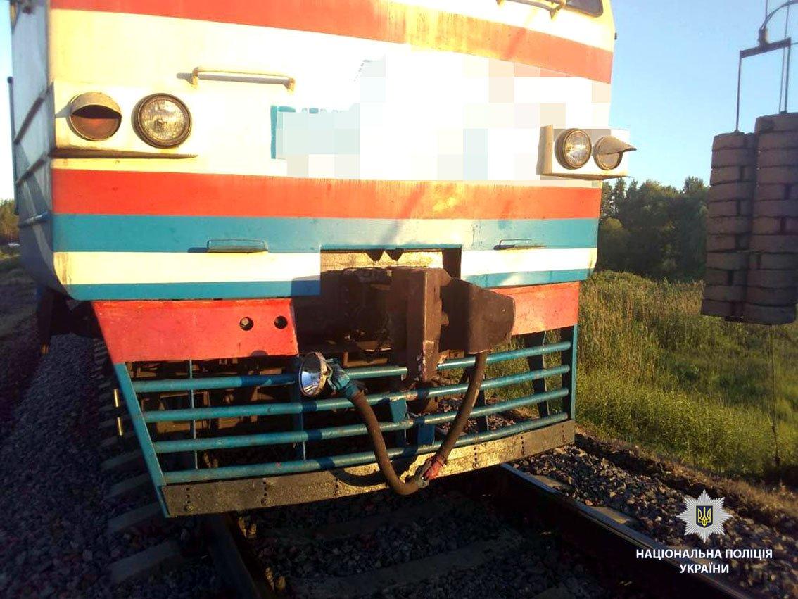 Под Харьковом поезд сбил мотоцикл. Два человека погибли,- ФОТО, фото-2