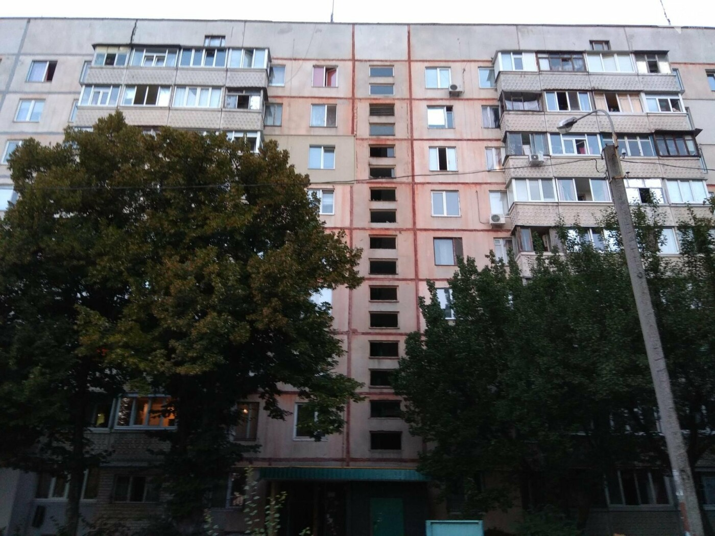 В Харькове ремонтируют многоэтажку на Танкопия, где произошел взрыв, - ФОТО, фото-2