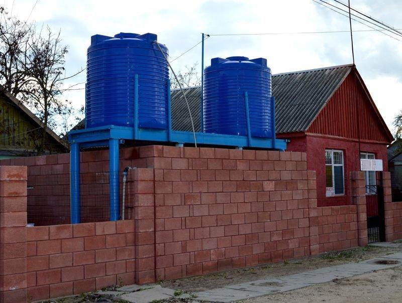 Пластиковые емкости Литолан - №1 на рынке емкостей для хранения и перевозки жидкостей, фото-1