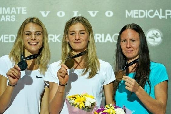 В секторе прыжков в высоту среди женщин золотую медаль завоевала харьковчанка Екатерина Табашник, прыгнув на 1.93м.