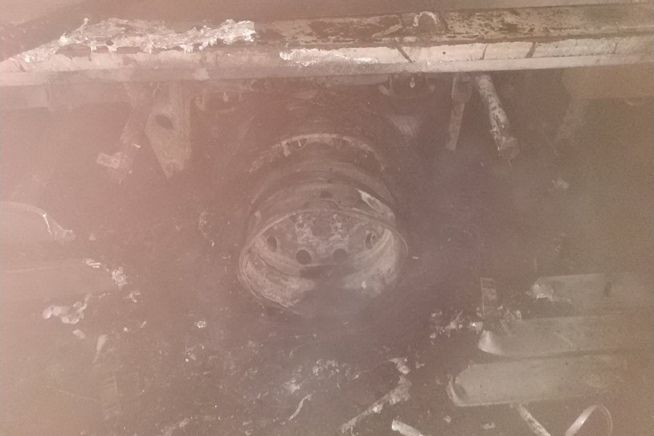 Под Харьковом загорелась груженная фура, - ФОТО , фото-2