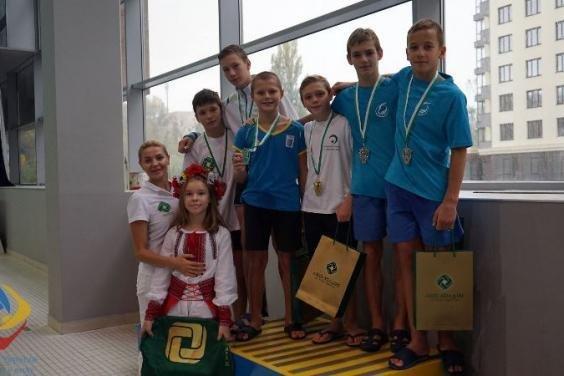 Харьковчанин завоевал три золотые медали на Международном турнире по прыжкам с трамплина, - ФОТО , фото-1