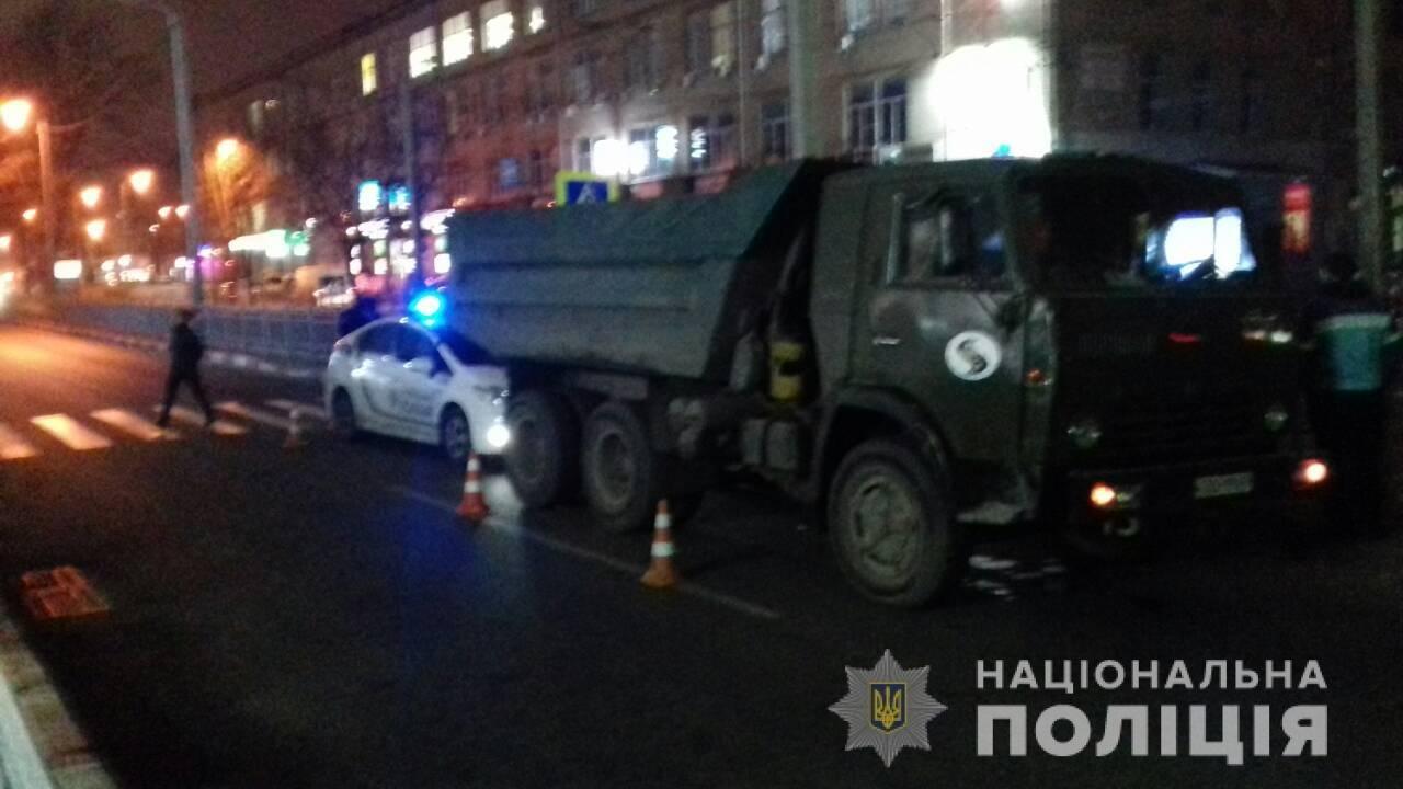 В Харькове грузовик сбил женщину на пешеходном переходе, - ФОТО, фото-1