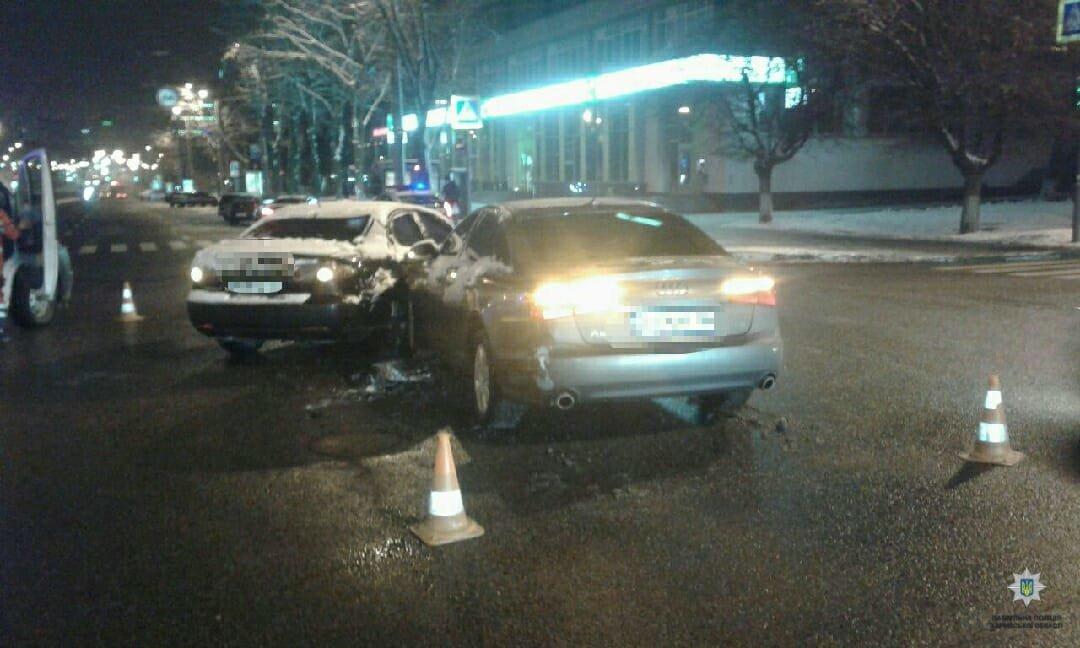 В центре Харькова не поделили дорогу две машины. Один человек в больнице, - ФОТО, фото-1