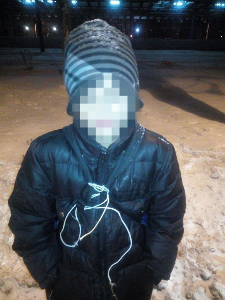 В Харькове подростки в масках ограбили магазин ради 2000 гривен, - ФОТО, фото-4