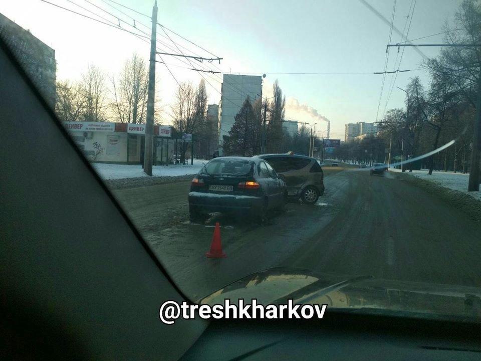 "На Гвардейцев Широнинцев ""Mercedes"" врезался в ""Daewoo"", - ФОТО, фото-1"