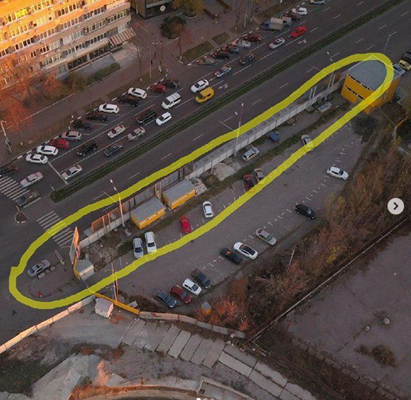 Харьковчанка просит ликвидировать строительное ограждение по проспекту Науки, фото-1