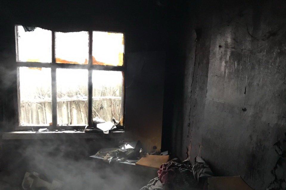 Под Харьковом из-за сигареты загорелся дом. Погиб мужчина, - ФОТО , фото-1