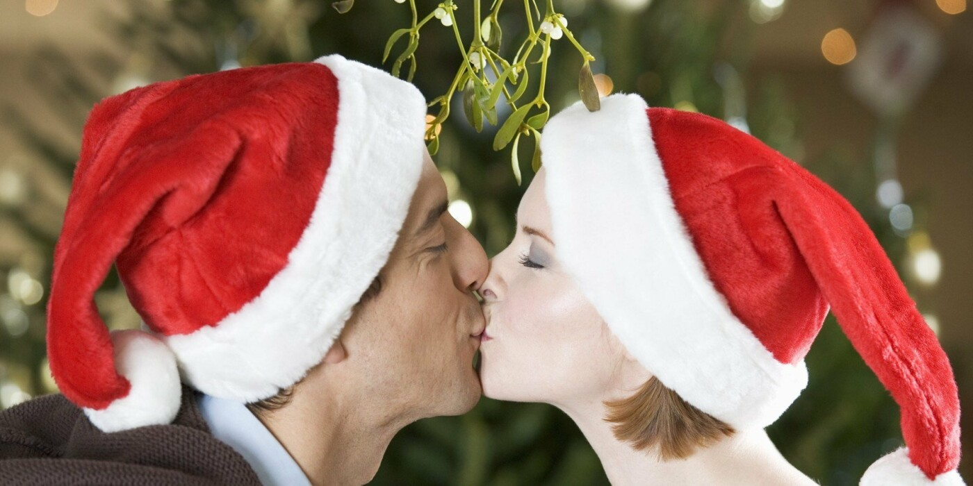 Сожжение чучел политиков и поцелуи в темноте. Как отмечают Новый год в разных странах мира, - ФОТО, фото-4