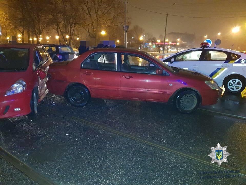 В Харькове не поделили дорогу четыре машины. Есть пострадавший, - ФОТО, фото-1