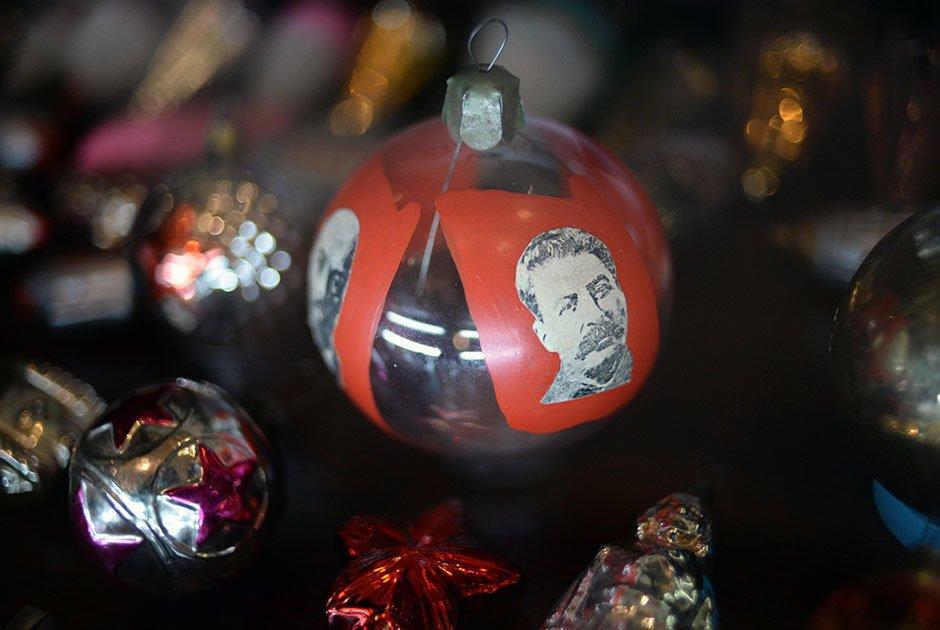 Шары со Сталиным и персонажи сказок Пушкина. Как в СССР харьковчане украшали новогоднюю елку, - ФОТО, фото-2