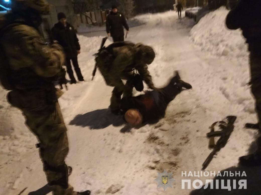 В Харькове пьяный мужчина открыл стрельбу во дворе частного дома, - ФОТО, фото-3