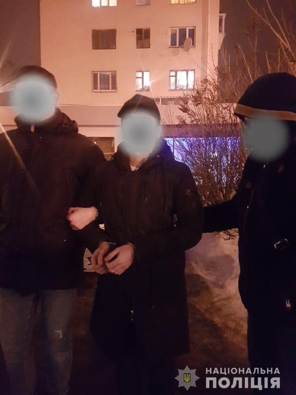 В Харькове задержали иностранца, предлагавшего пограничнику взятку в аэропорту, - ФОТО, фото-1