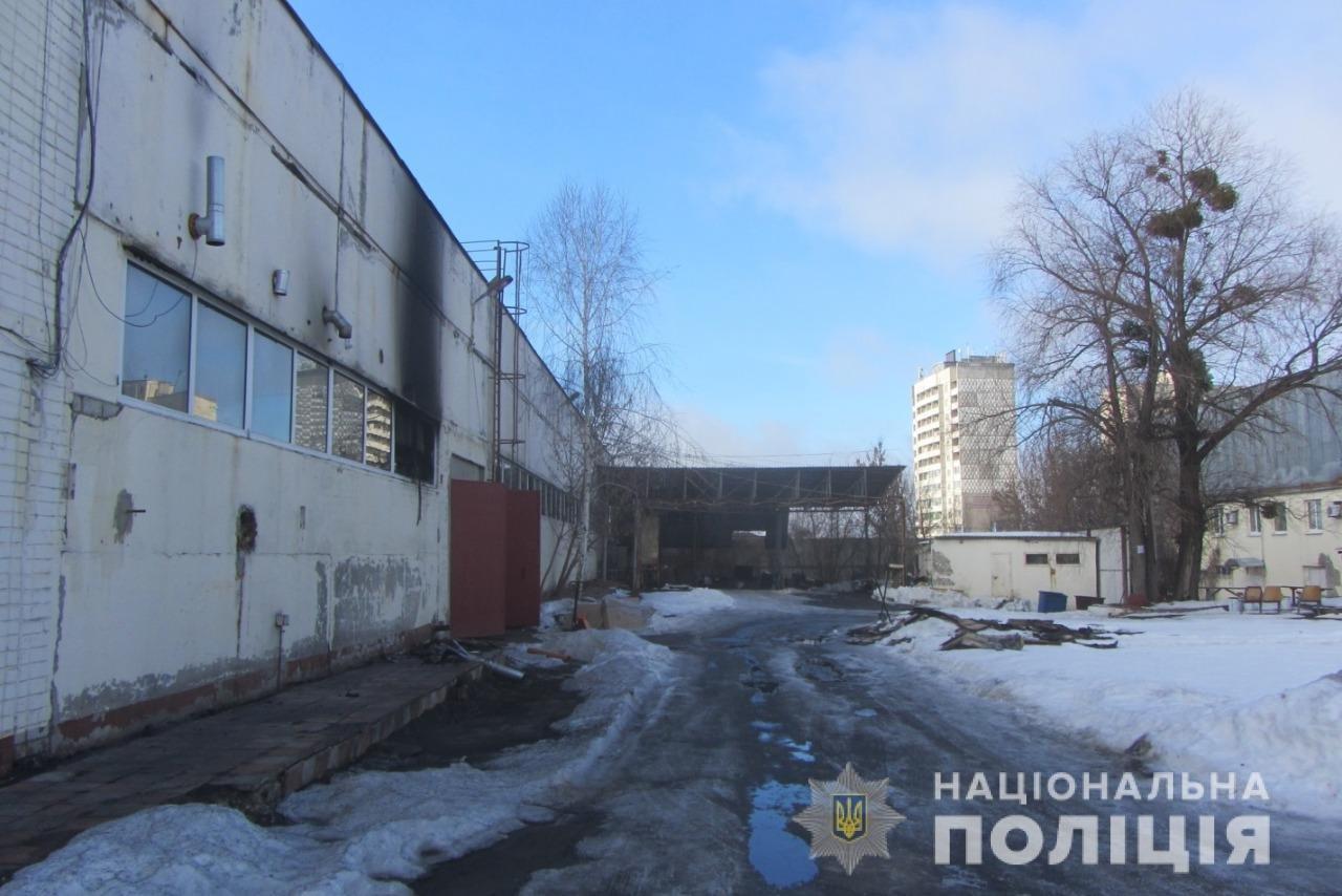 Пожар на швейных складах в Харькове. Неизвестные подожгли два помещения, - ФОТО, фото-4