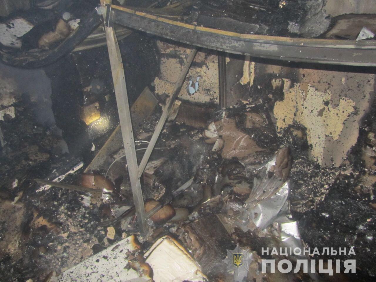 Пожар на швейных складах в Харькове. Неизвестные подожгли два помещения, - ФОТО, фото-6