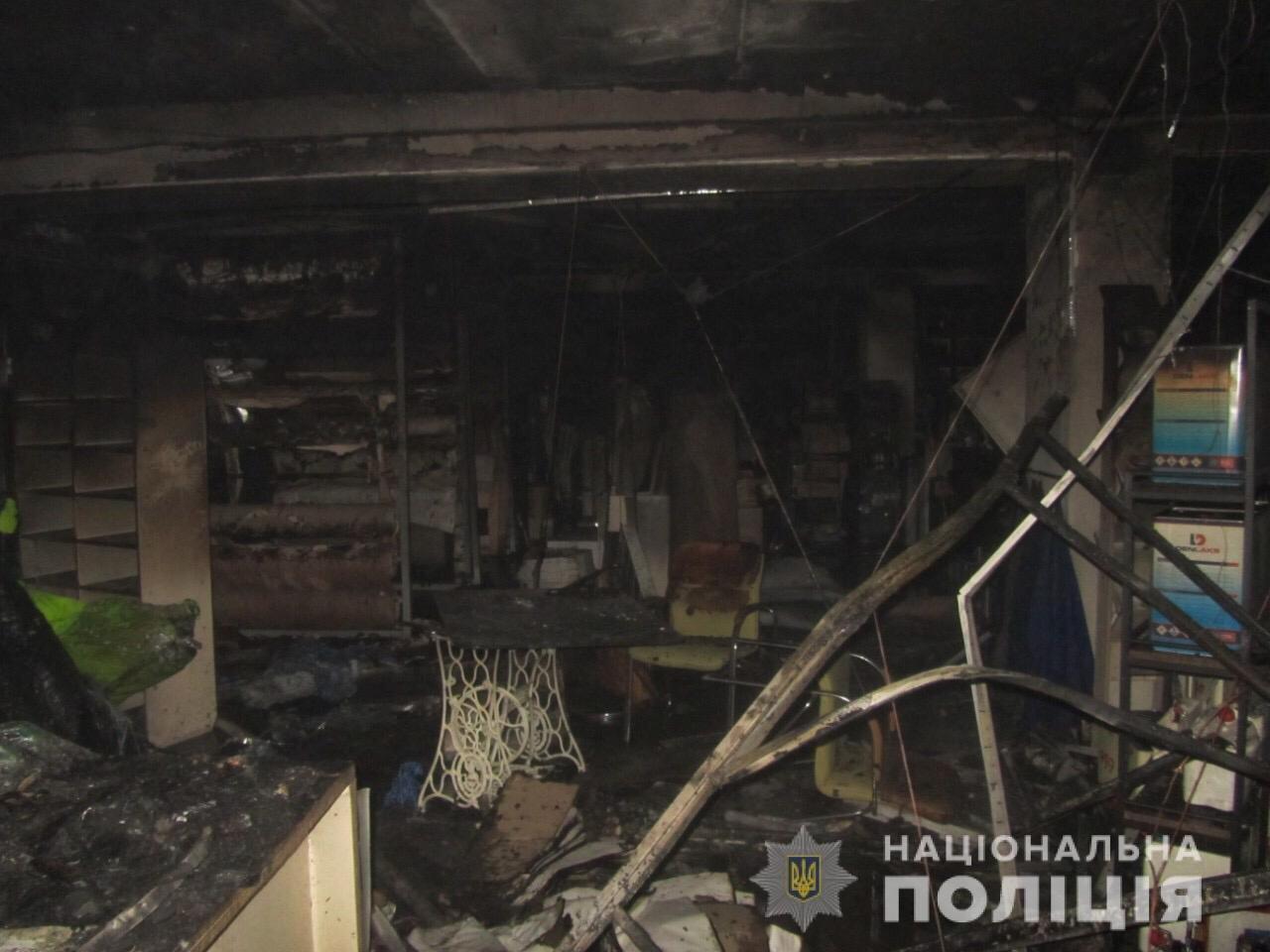 Пожар на швейных складах в Харькове. Неизвестные подожгли два помещения, - ФОТО, фото-7