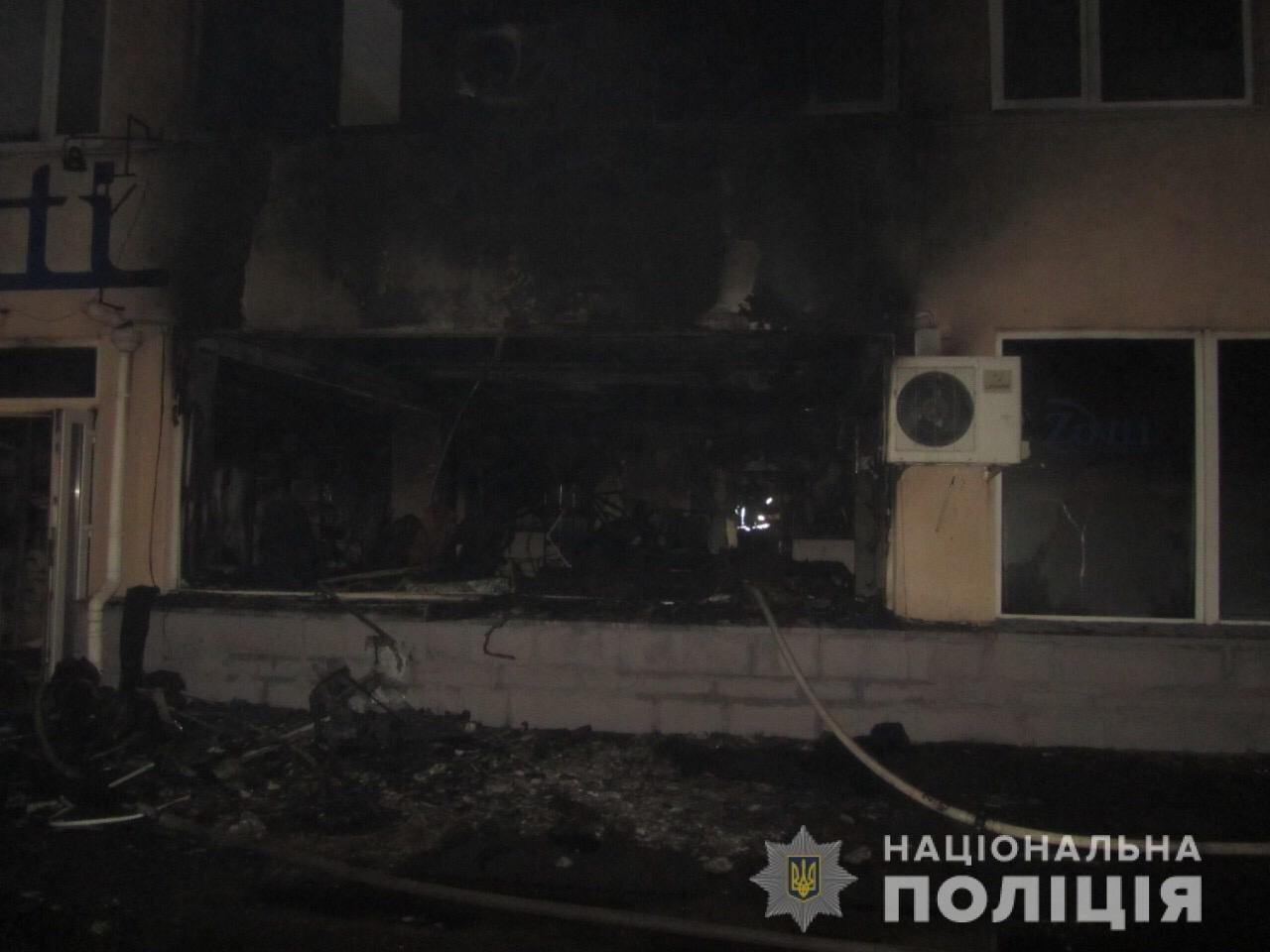 Пожар на швейных складах в Харькове. Неизвестные подожгли два помещения, - ФОТО, фото-8