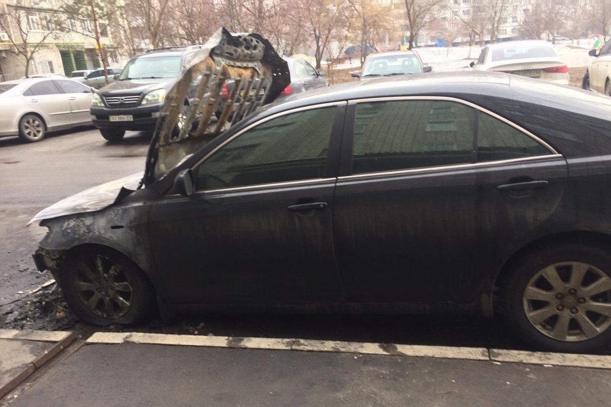 В Харькове ночью сгорела Toyota Camry, - ФОТО, фото-2