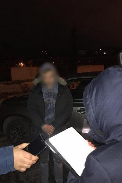 Марихуана и экстази. В Харькове полицейский и директор клуба продавали наркотики, - ФОТО, фото-1