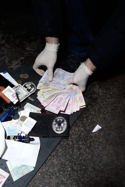 Марихуана и экстази. В Харькове полицейский и директор клуба продавали наркотики, - ФОТО, фото-2