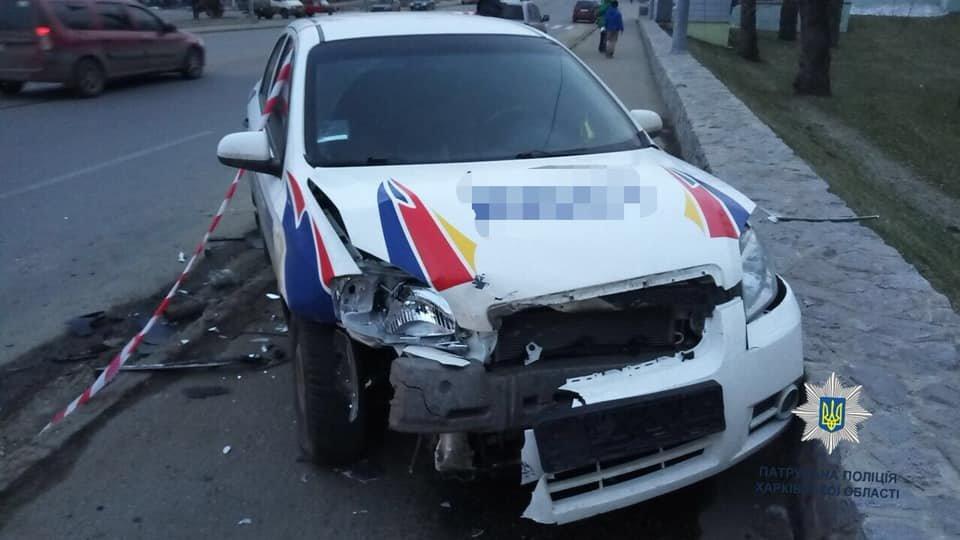 """В Харькове """"Chevrolet"""" врезался в припаркованный автомобиль, - ФОТО, фото-2"""