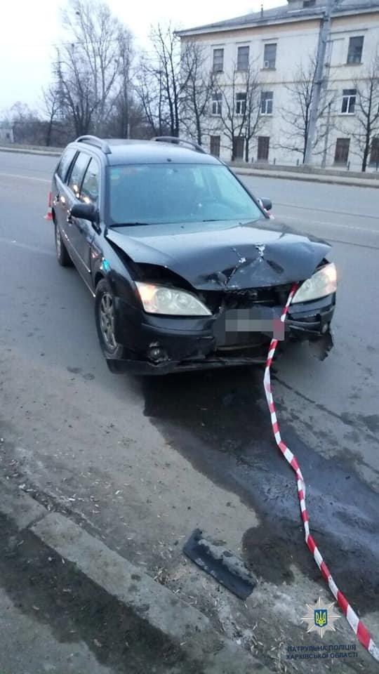 """В Харькове """"Chevrolet"""" врезался в припаркованный автомобиль, - ФОТО, фото-1"""