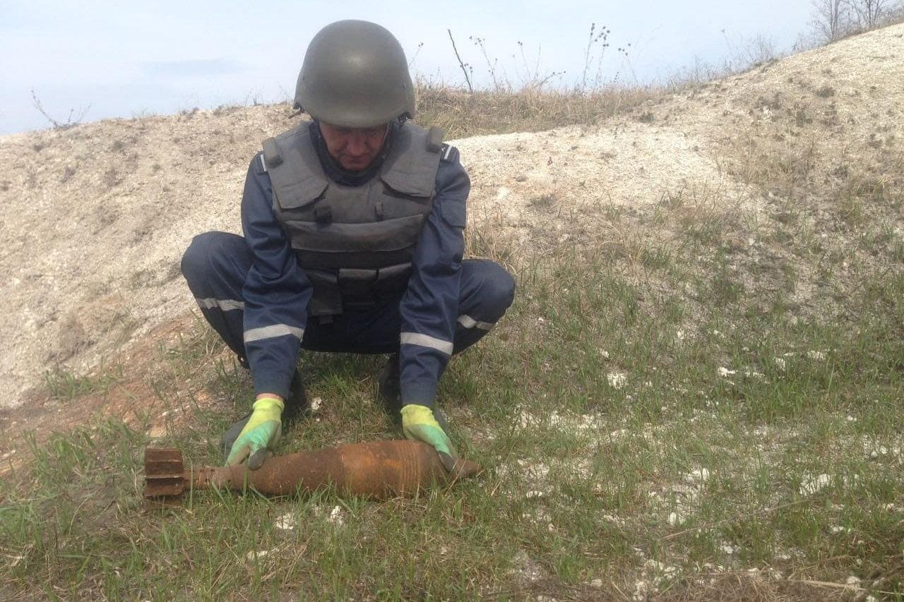 На Харьковщине бойцы ГСЧС обезвредили полторы сотни боеприпасов, - ФОТО, фото-2