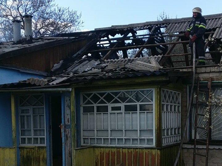 В Харьковской области под обломками сгоревшего дома нашли труп мужчины, - ФОТО, фото-1