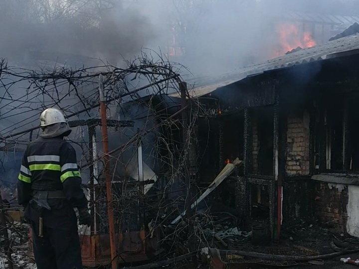 В Харьковской области под обломками сгоревшего дома нашли труп мужчины, - ФОТО, фото-2
