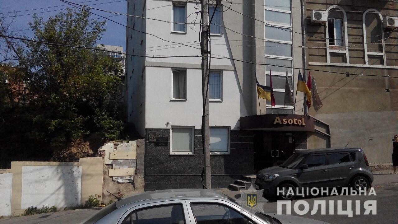 «Минирование» в Харькове: из пяти отелей и гимназии эвакуировали 660 человек, - ФОТО, фото-3