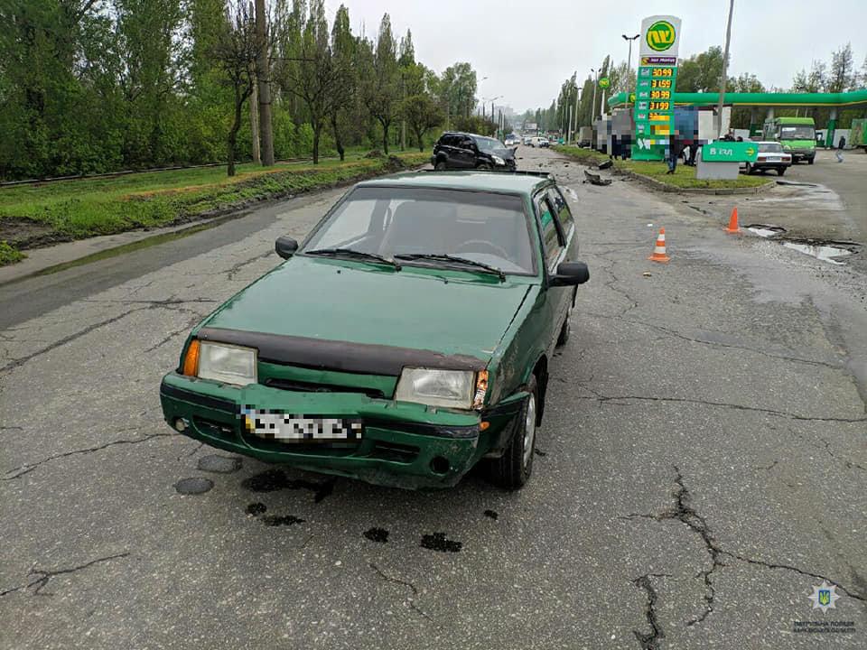 В Харькове столкнулись три автомобиля: пострадала женщина, - ФОТО, фото-2
