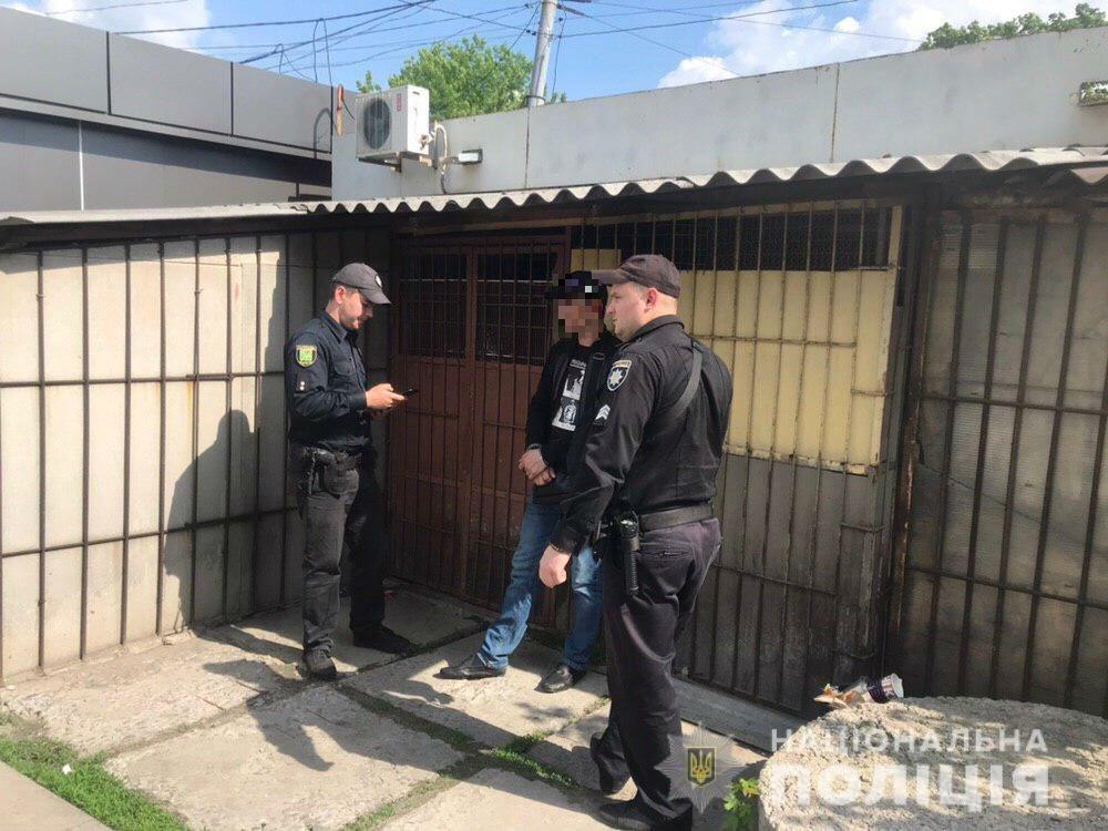 В Харькове два рецидивиста обокрали авто и пытались сбежать на трамвае, - ФОТО, фото-2