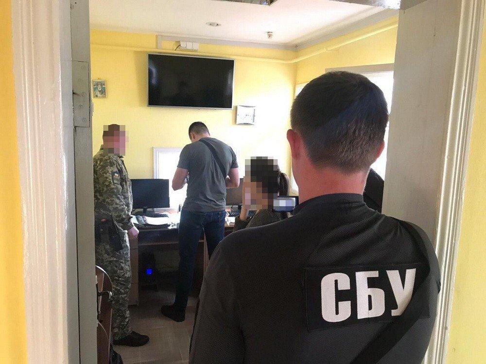 СБУ задержала харьковского чиновника, который требовал деньги от жителей оккупированных Россией территорий, - ФОТО, фото-3