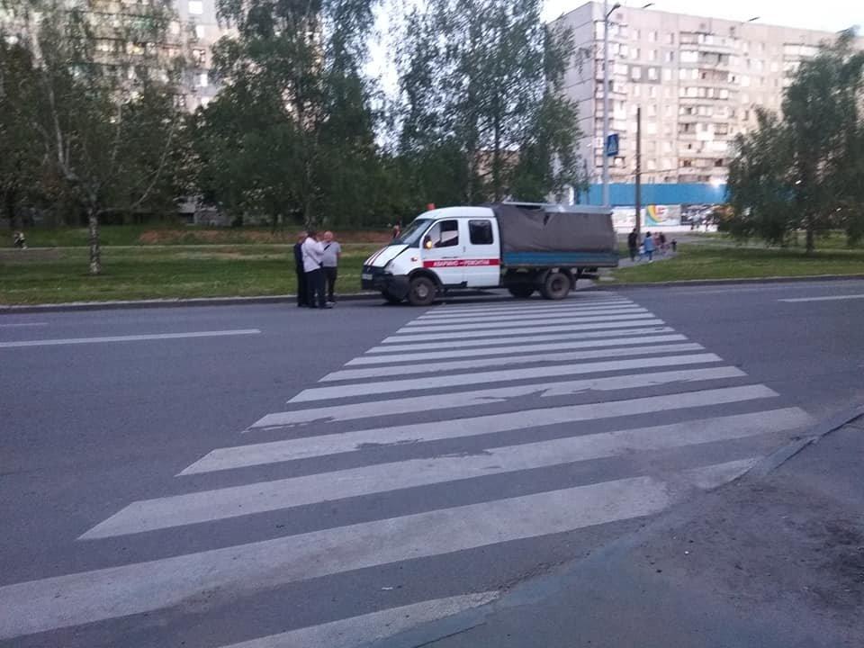 "На Тракторостроителей не поделили дорогу грузовик и ""Kia"", - ФОТО, фото-1"